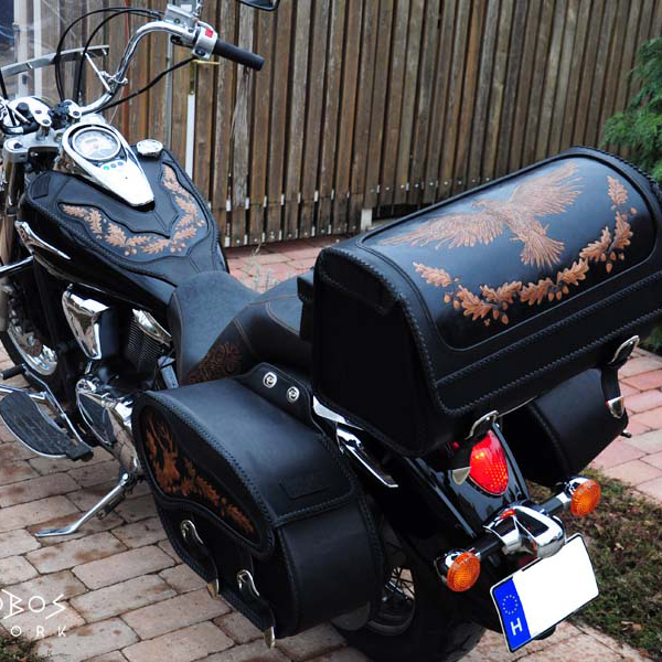 Egyedi, kézzel készült bőr motoros táska kollekció